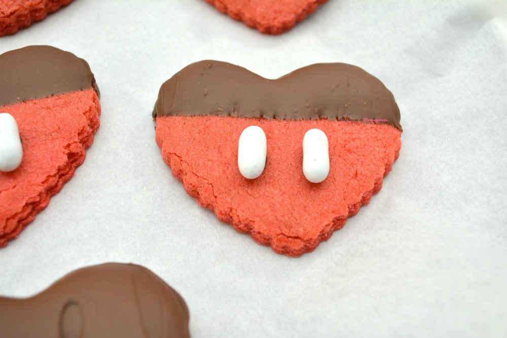 Horizontal for Mickey Mouse Valentine Cookies