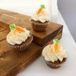 Mini Carrot Cake Cupcake with Cream Cheese Frosting Horizontal