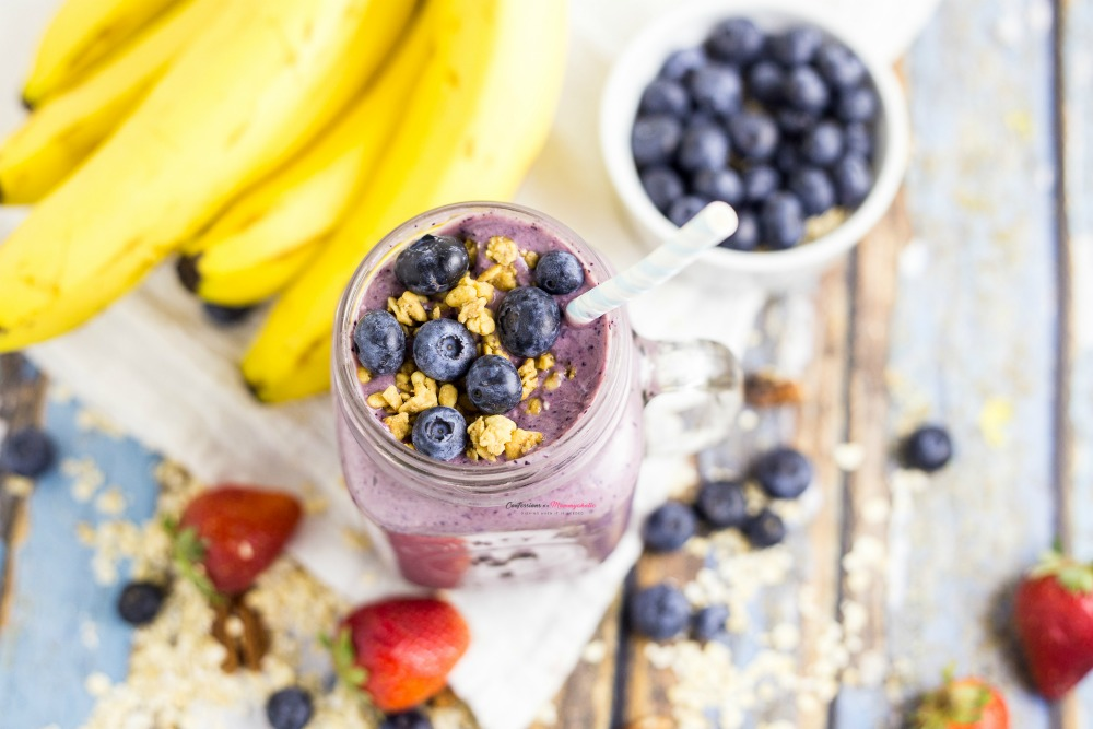 Blueberry Muffin Smoothie Horizontal 4
