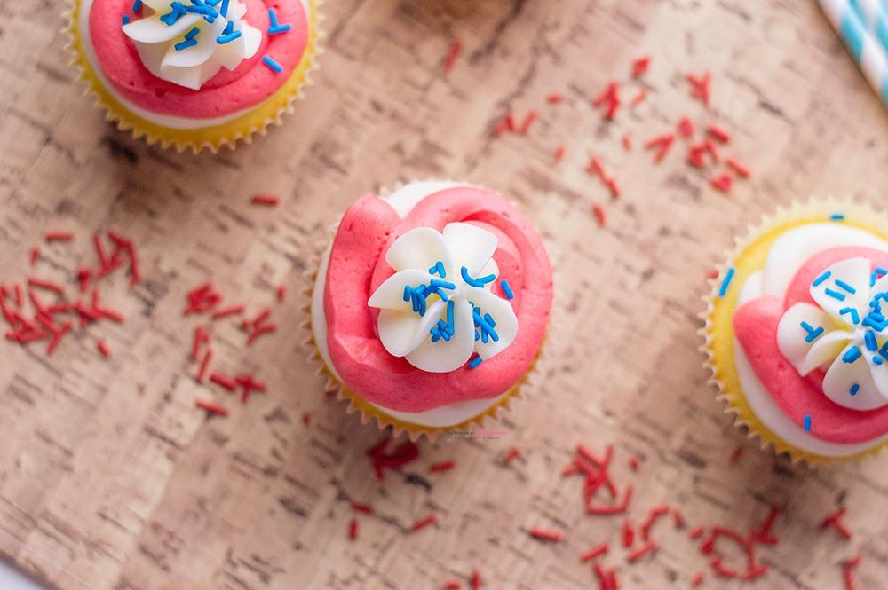 Patriotic Cupcakes Dessert Horizontal 2