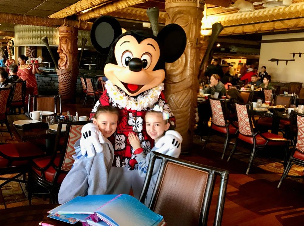Mickey at Disney Polynesian Ohana Restaurant