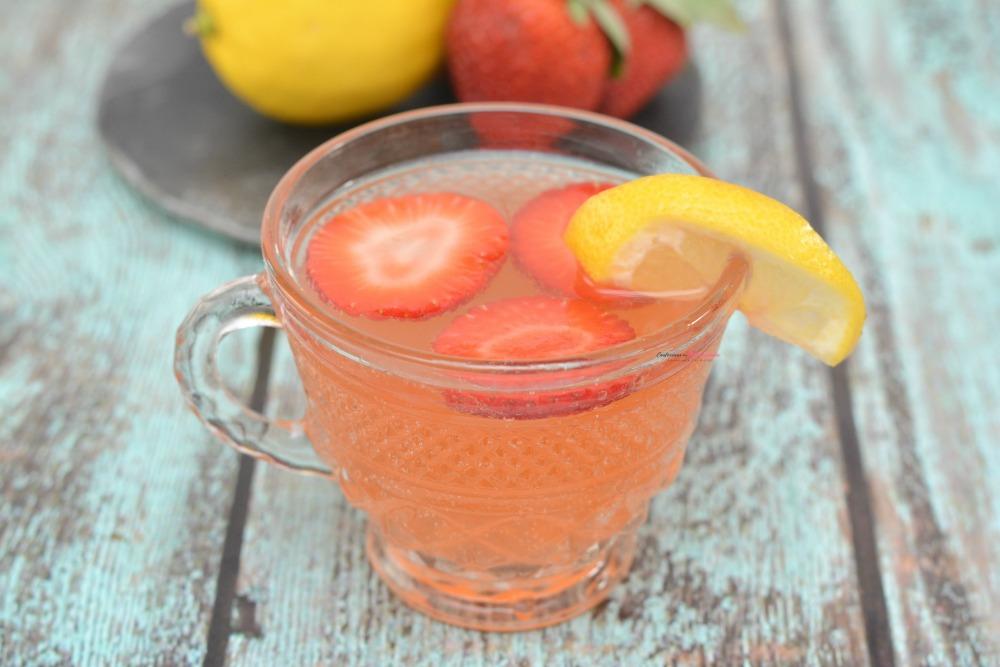 Strawberry Moscato Punch Horizontal 1
