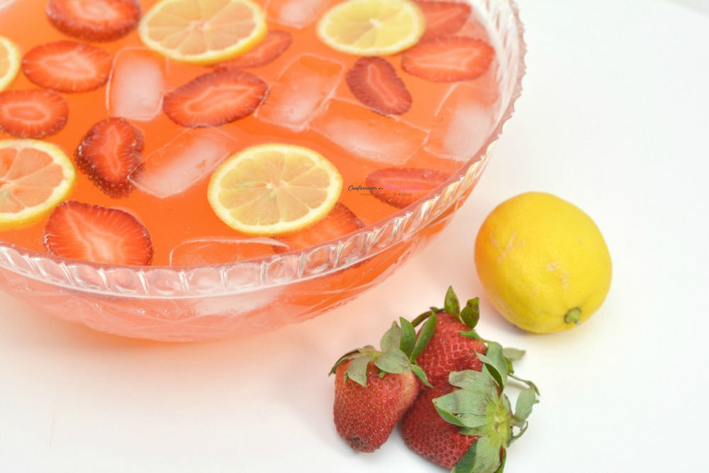 Strawberry Moscato Punch Horizontal 11