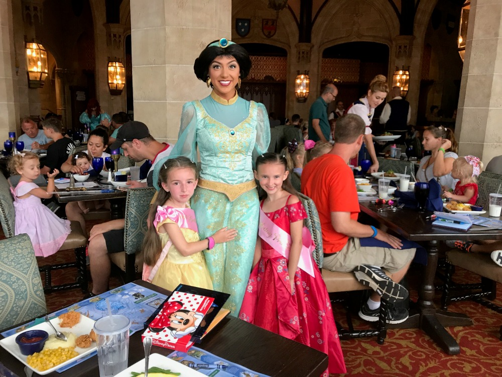 Meeting Jasmine at Cinderellas Royal Table 2017