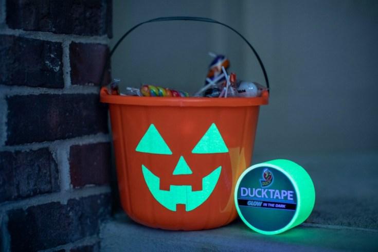 DIY Duck Tape Glow in the Dark Candy Bucket 1