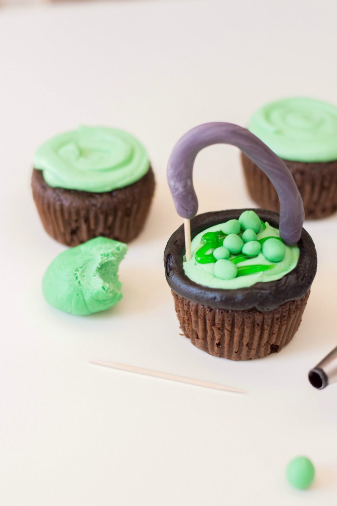 Witch Cauldron Cupcakes Step 10