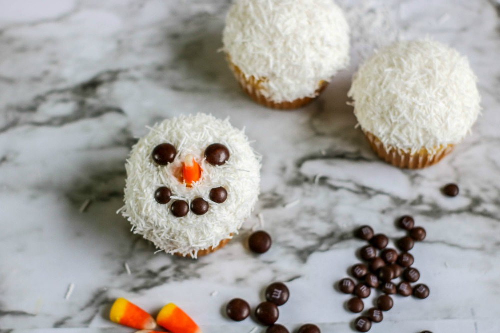 Snowman Cupcakes Process 4