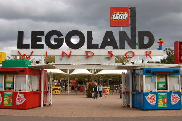 Entrance_to_Legoland_Windsor