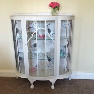 Love my vintage china cabinet – found on gumtree – it came already painted too!