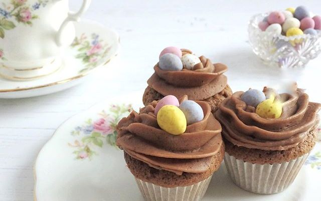 Mini cupcakes with mini eggs for Easter