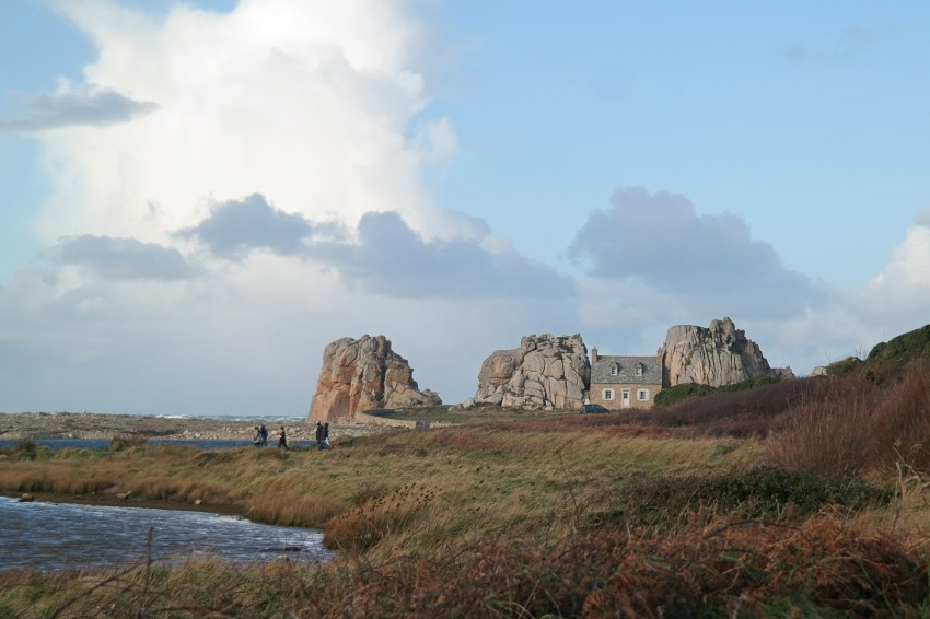 Huisje tussen de rotsen Bretagne
