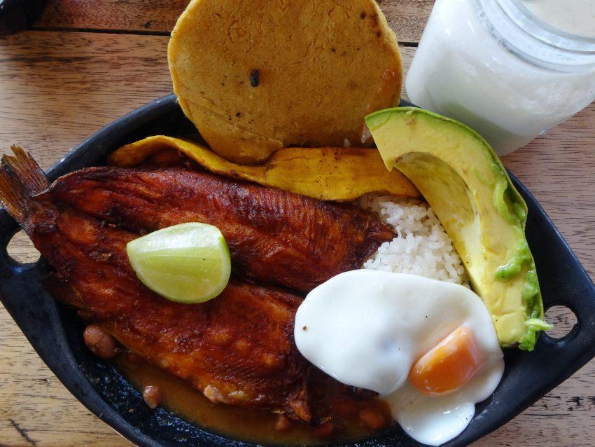 typisch Colombiaans eten bandeja paisa