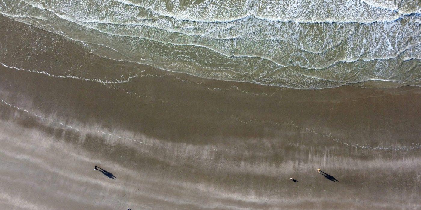 Strand IJmuiden dronefoto Janna Kamphof