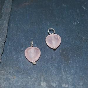 Vedhæng facetteret hjerte med rosa quartz