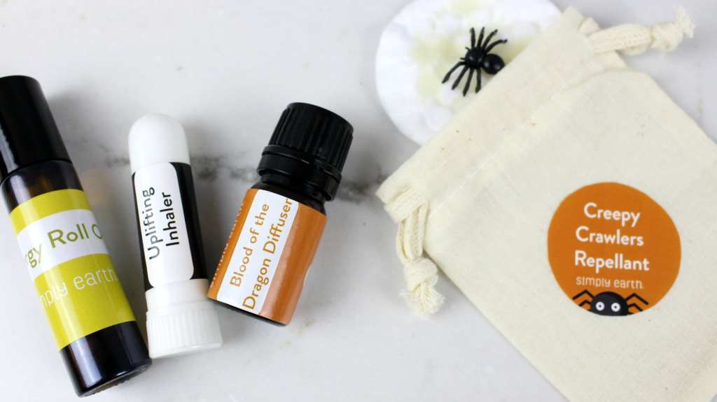 Simply Earth - Essential oil subscription box unboxing.