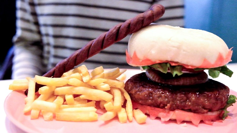Final Fantasy 30th Anniversary Food - Sun Cafe - White Mage Burger