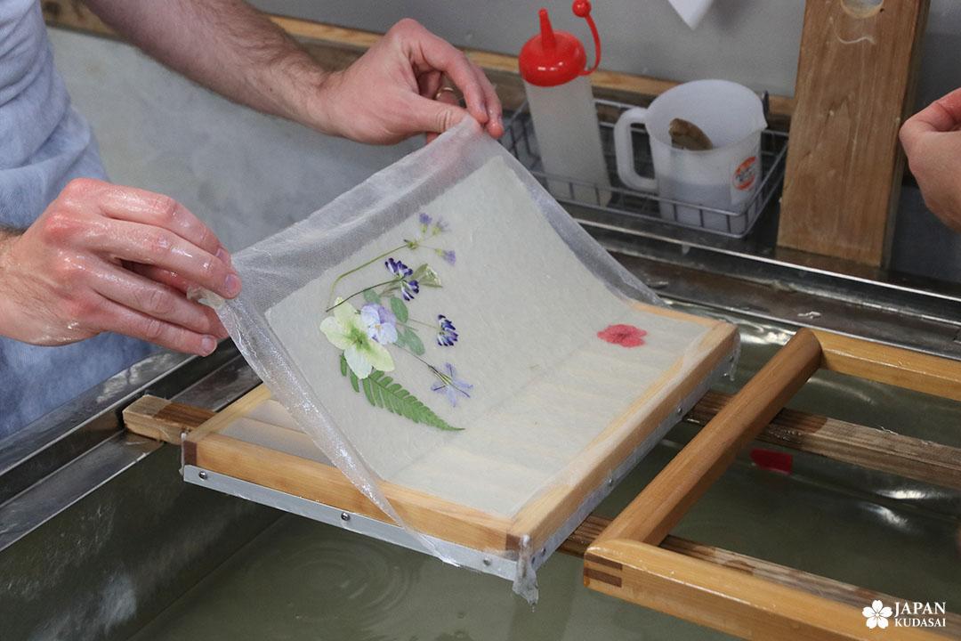 retrait du washi du cadre avant séchage
