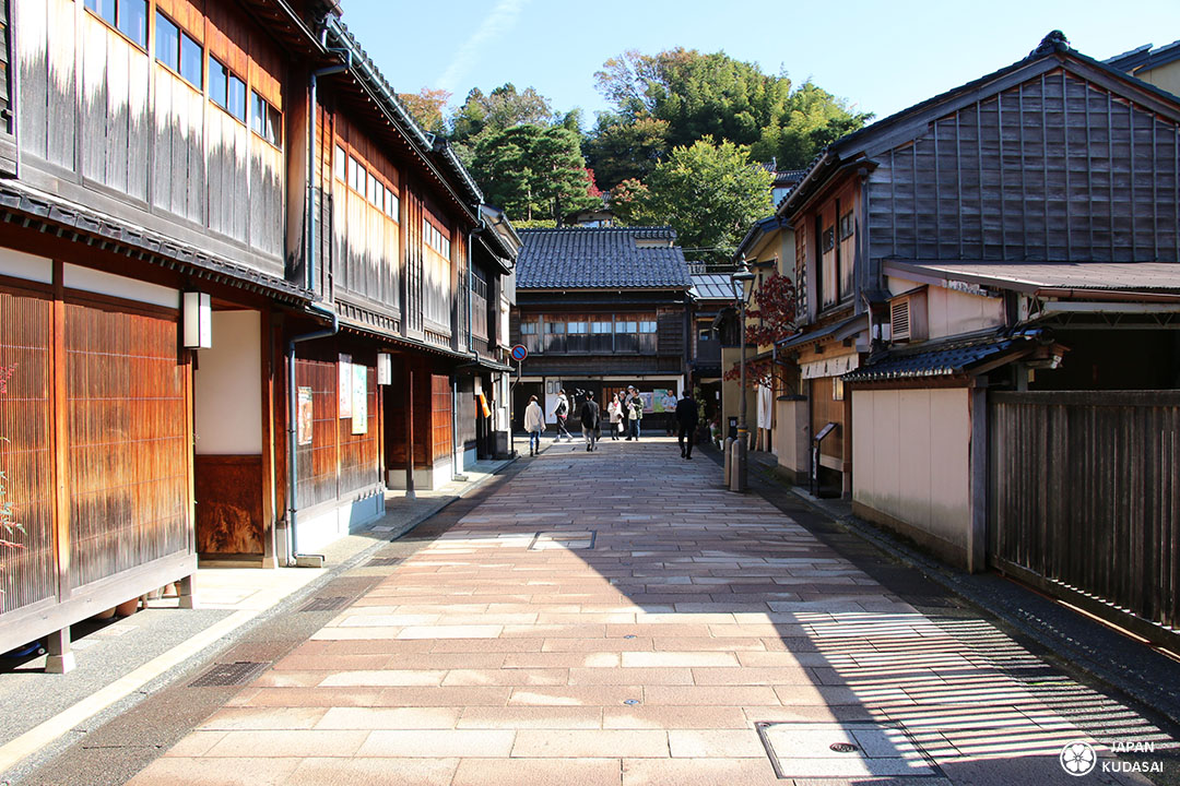 Quartier geisha higashi chaya a kanazawa, avec mainson de thé macha, machiya, futon et tatami