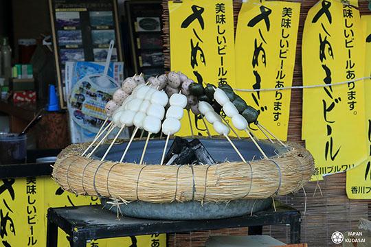 Dango, dessert traditionnel sucré japonais