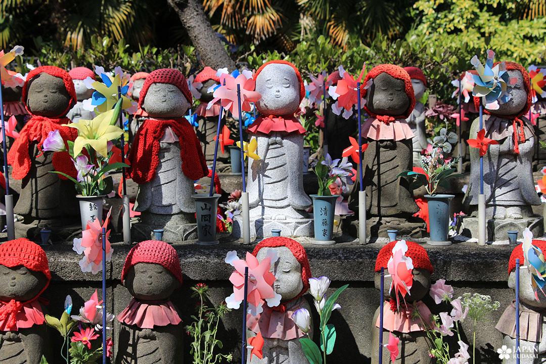 jizo statue zojoji temple tokyo