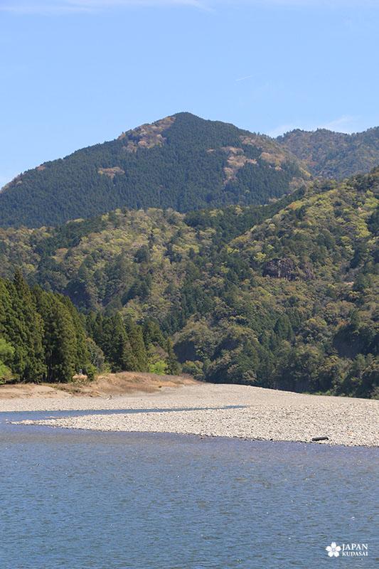 En direction des gorges de dorokyo, sur la rivière Kitayama