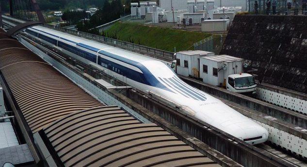 Maglev-Shinkansen (MLX01-901) på testbanan i Yamanashi