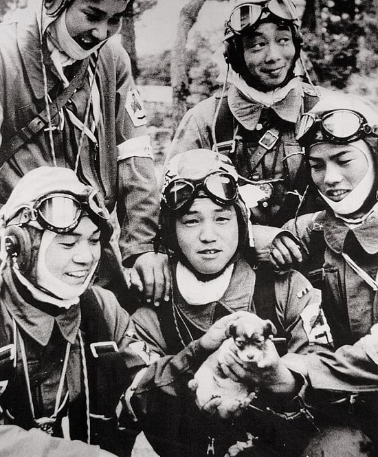 Unga Kamikaze piloter från 72 attacksqvadron