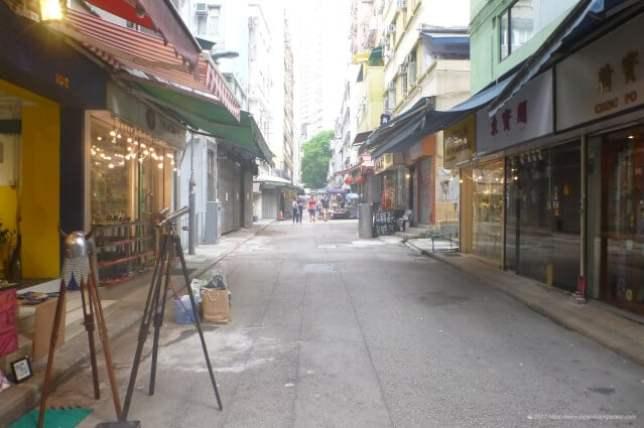 香港の摩羅上街(キャット・ストリート)