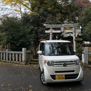 iPhone test shot of my rental car outside the shrine