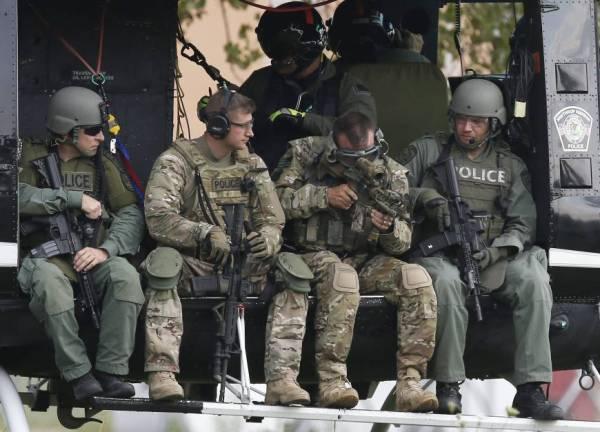 Illinois launches massive manhunt after veteran police ...