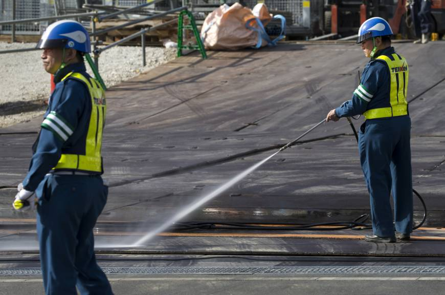 'Omotenashi' underlies Japan's low economic productivity | The Japan Times