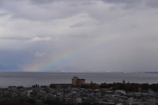 rainbow over Biwako while lining up to enter the castle