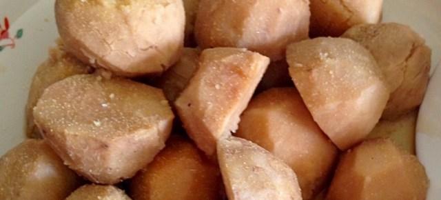 Nitsuke de taro 里芋(タロ芋)の煮付け