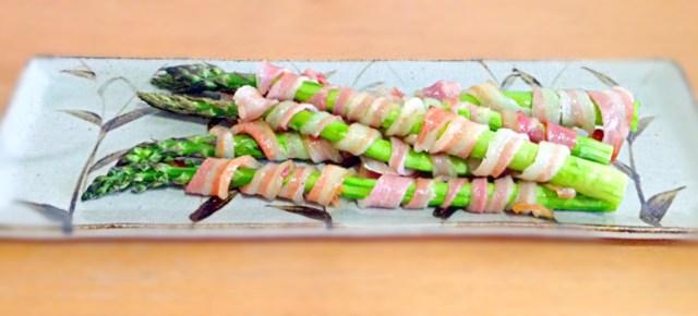 Maki d'asperges au bacon アスパラのベーコン巻き