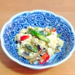 Iridoufuu à l'européénne aux asperges 洋風炒り豆腐