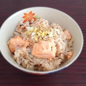 Riz cuit au saumon 鮭の炊き込みご飯