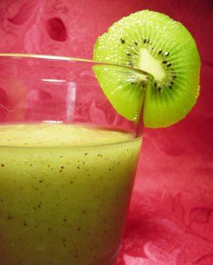 عصير التفاح و الكيوي