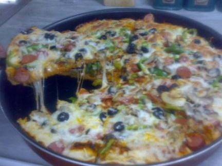 طريقة تحضير بيتزا بالفرماج والصوصيص