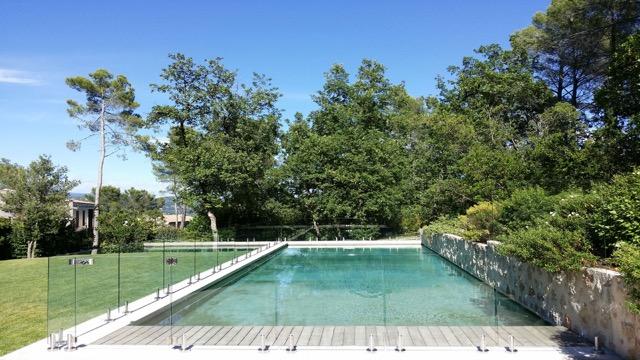 piscine invisible en verre 12mm pacific
