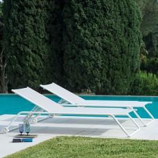 bains de soleil chaises longues