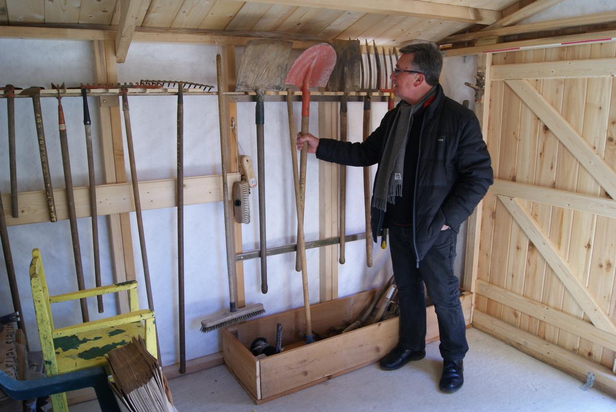 Rangement Outils Dans La Cabane Jardin Partag Des