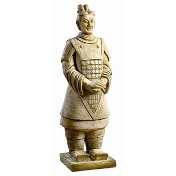 Guerrier Chinois en pierre reconstituée, patiné H. 102 cm