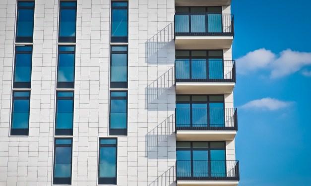 Faire installer des vitres à doubles vitrages pour votre logement