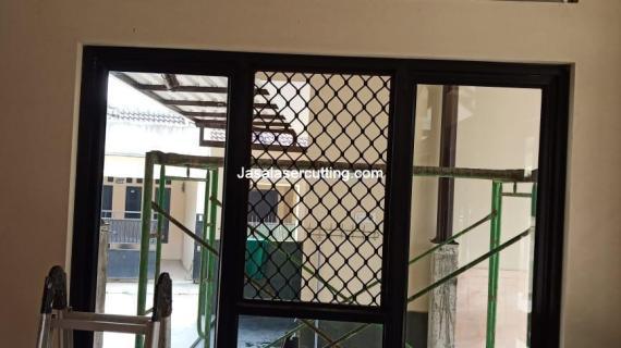 Jasa Pemotongan Plat Besi Tangerang Selatan