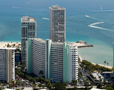 Everglades House on the Beach in Fort Lauderdale with unobstructed view to the south
