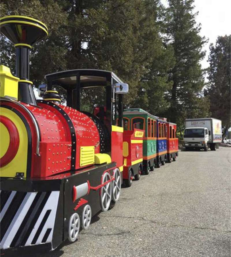 This undated photo provided by the Pleasant Hill Police Department shows a 25-foot electric passenger train that  … <a class=