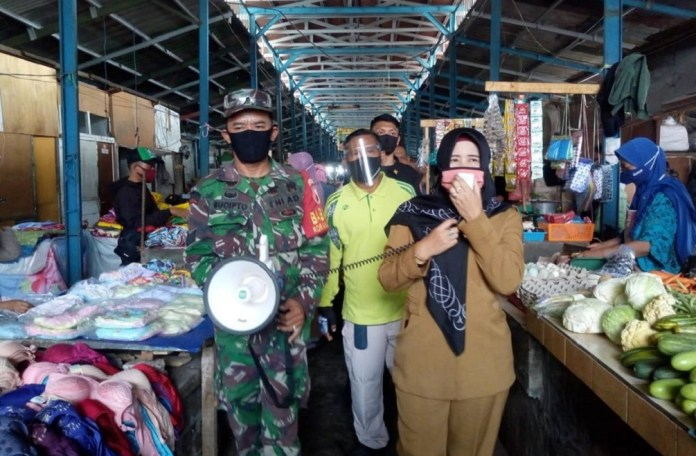 Razia Pasar di Surabaya, Baru 80 Persen Warga yang Pakai Masker
