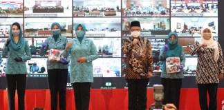 Mendagri Bersama Gubernur Khofifah Launching Gerakan 26 Juta Masker