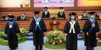 Rektor UNAIR Kukuhkan Empat Guru Besar Baru