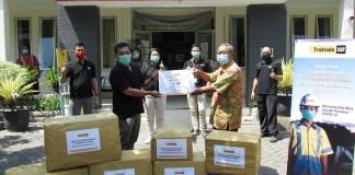 Trakindo Salurkan Ribuan APD ke Rumah Sakit di Surabaya